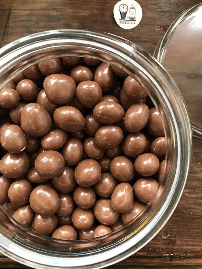 Zemesrieksti ar jūras sāli piena šokolādē 50g