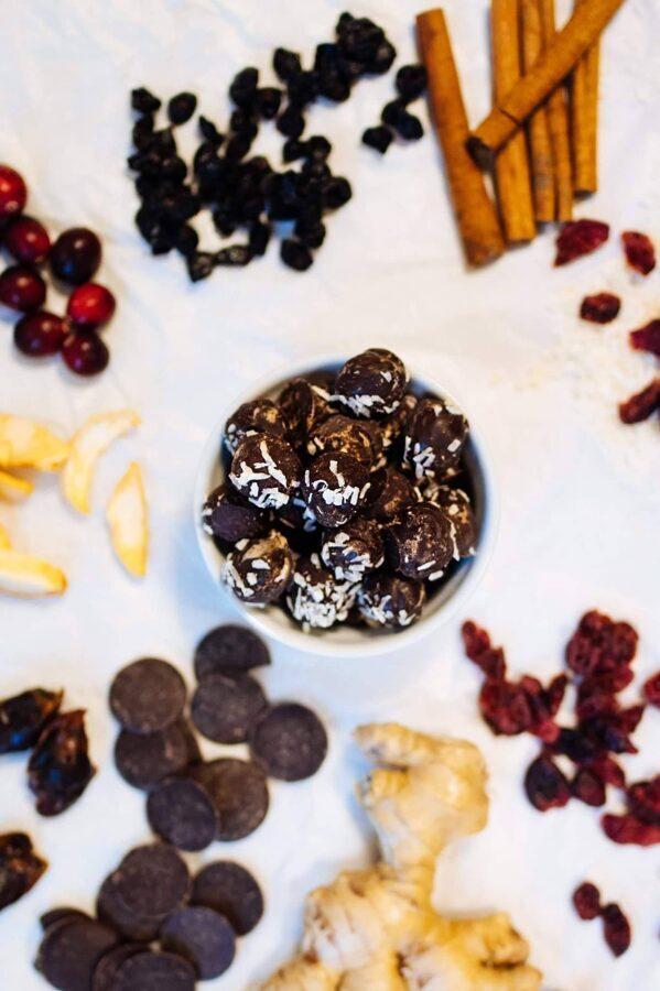 Vegāniskās piparkūku pikas tumšajā šokolādē 5gb