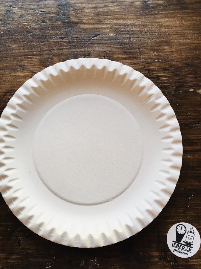 18cm papīra šķīvis  1gb