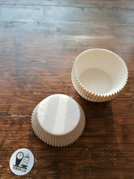 Papīra formiņas keksiem vai mafiniem, baltas 1gb